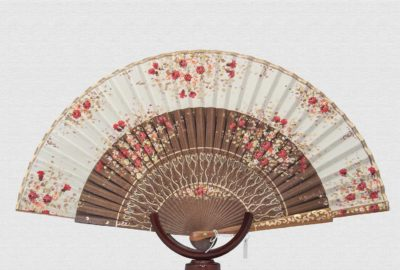 Palo Santo polished wood fan. Ivory cotton fabric.