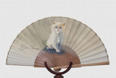 Polished pearwood fan with cotton ivory cloth
