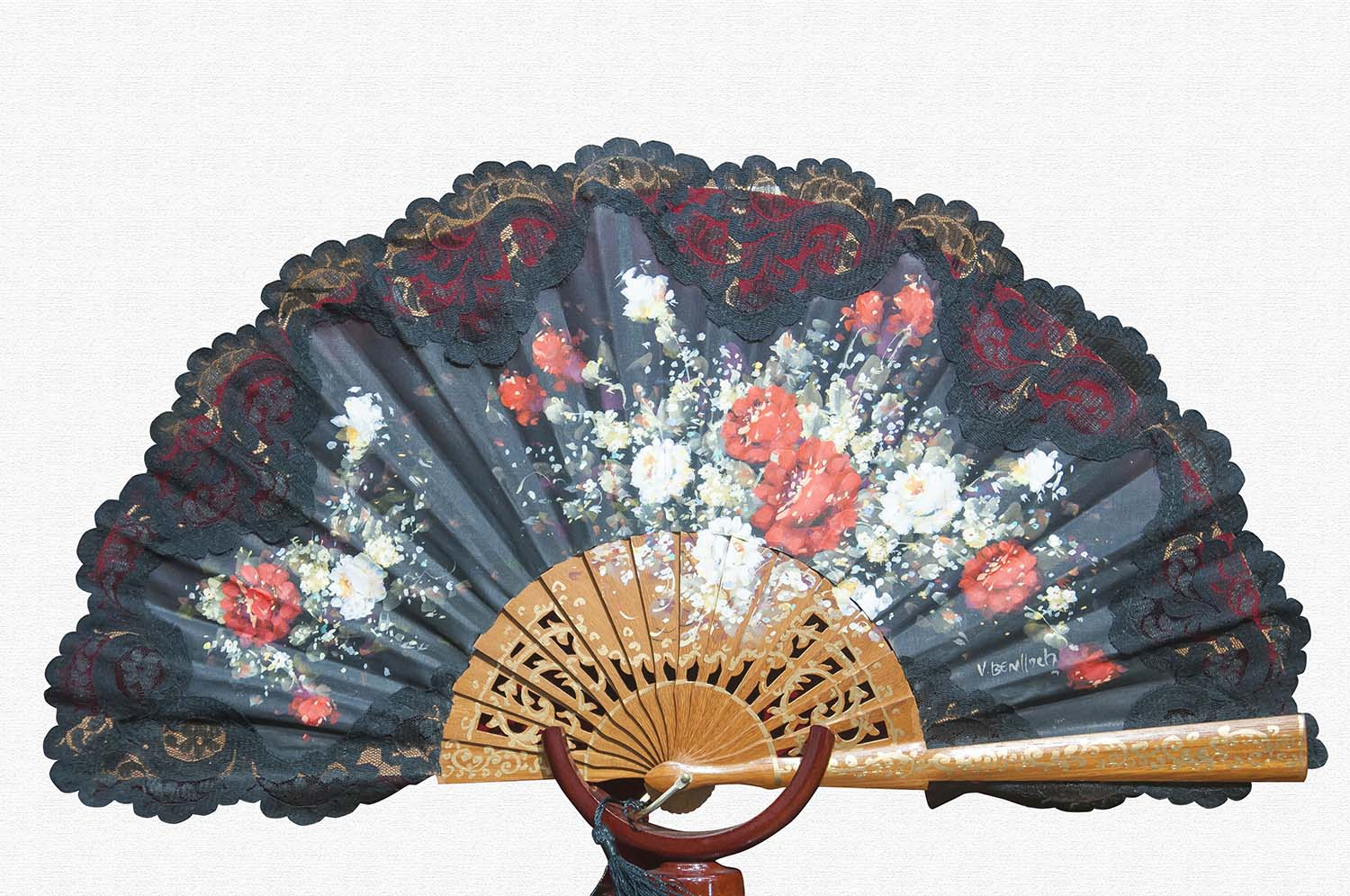 Sipo wood fan polished black cotton cloth and nylon lace