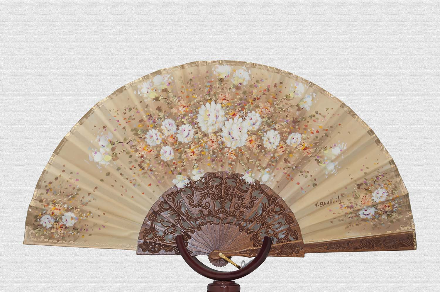 Lacquered Sipo wood fan with double ivory cotton cloth