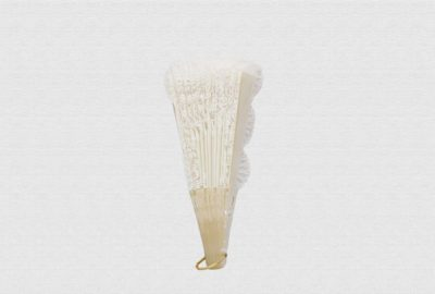 Feathered nacarina fan with cotton cloth and embroidered tulle lace
